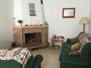 casa-rural-velez-rubio-almeria-alquiler-pisos-los-velez-la-casa-de-asensia-chimenea